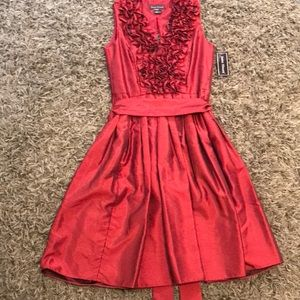 Jessica Howard Red ruffled dress. Size 6. NWT.